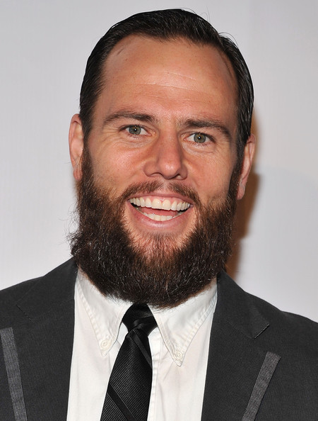 The 37-year old son of father Carl  and mother Laurie Butler, 175 cm tall Shay Carl in 2017 photo