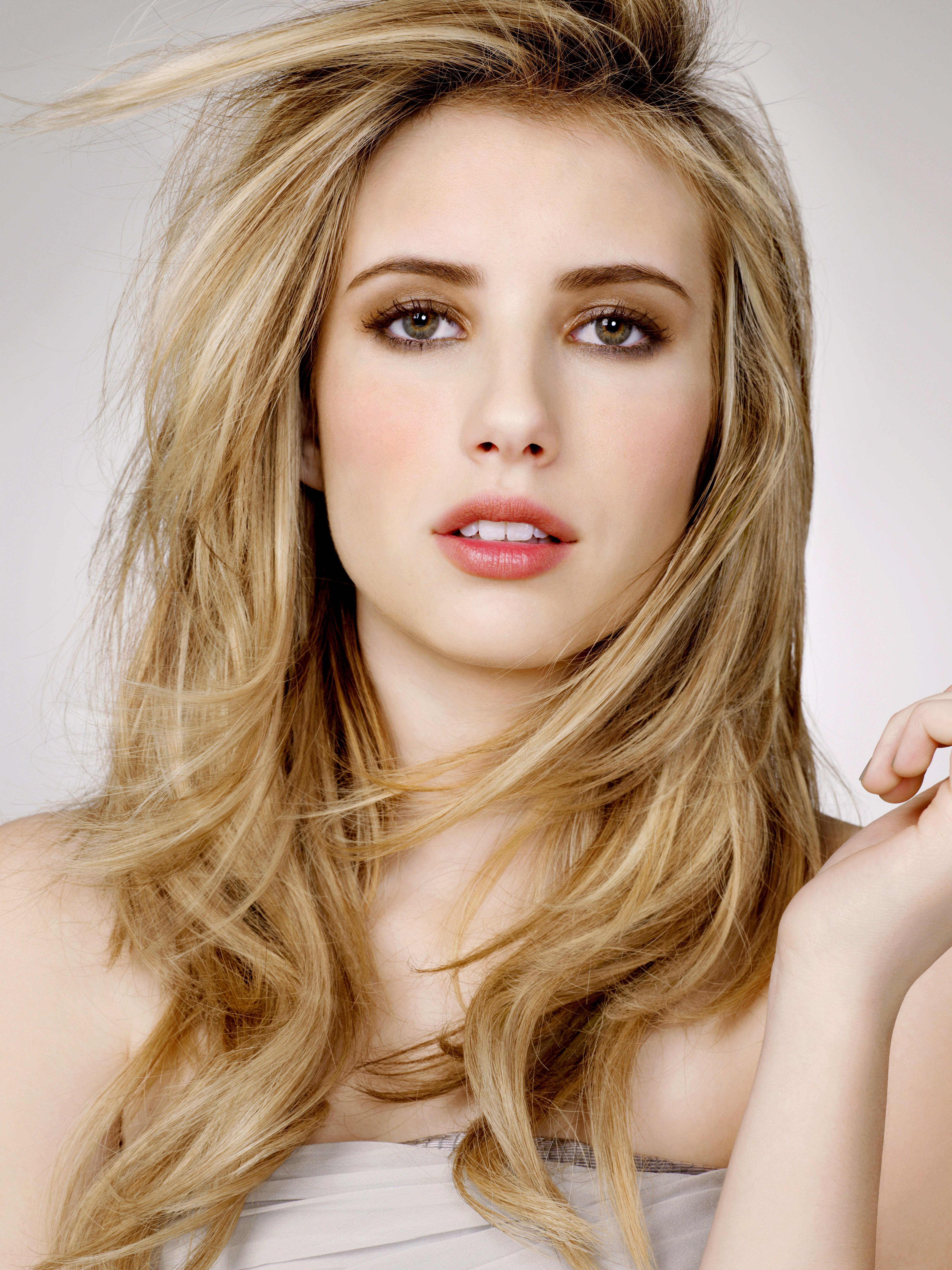 <b>Emma Roberts</b> - Emma-roberts-1382311213
