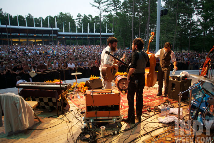 the avett brothers play the koka booth ampitheatre in 2008