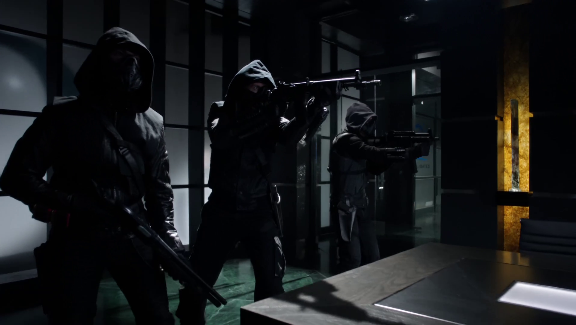 The Hoods Arrow Amp The Flash Wiki