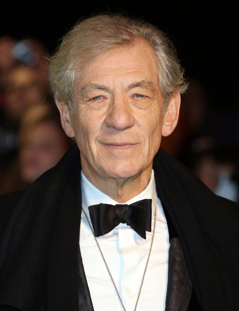 The 77-year old son of father Denis Murray McKellen and mother Margery Lois Sutcliffe, 180 cm tall Ian McKellen in 2017 photo