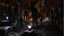 Deathstroke - Slade deja a Oliver en la isla.png
