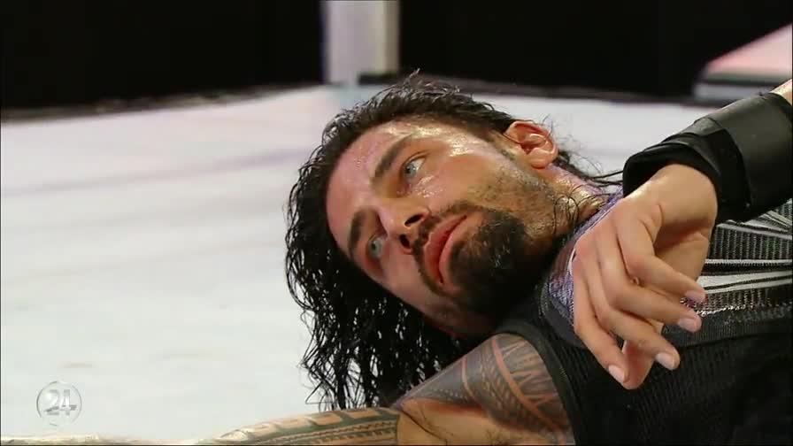 Roman_Reigns_Never_Alone.00018.jpg