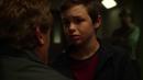Barry niño visita a su padre mientras Joe observa.png