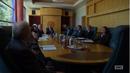BCS 2x02 - Chuck en la reunión.png