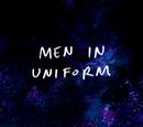 Faceci w uniformach