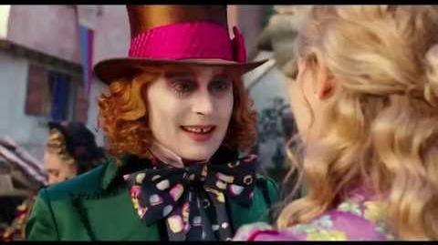 Alicia a través del espejo Conoce al joven Sombrerero