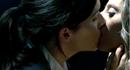 Elisie kiss.png