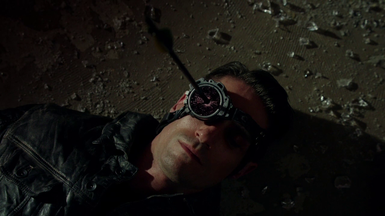 http://img2.wikia.nocookie.net/__cb20121205031121/arrow/images/a/a8/Deadshot_dies.png